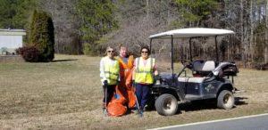 volunteers in litter cleanup